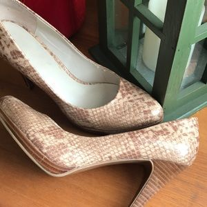 Reptile print heels-great condition!!